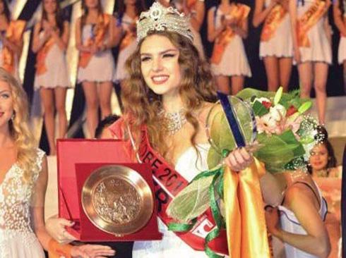 Miss Globe Winner 2012